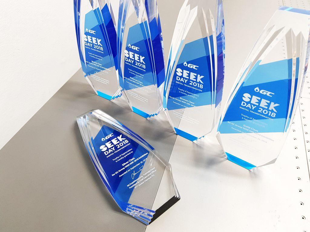 พิมพ์โล่รางวัลอะคริลิค Acrylic Award