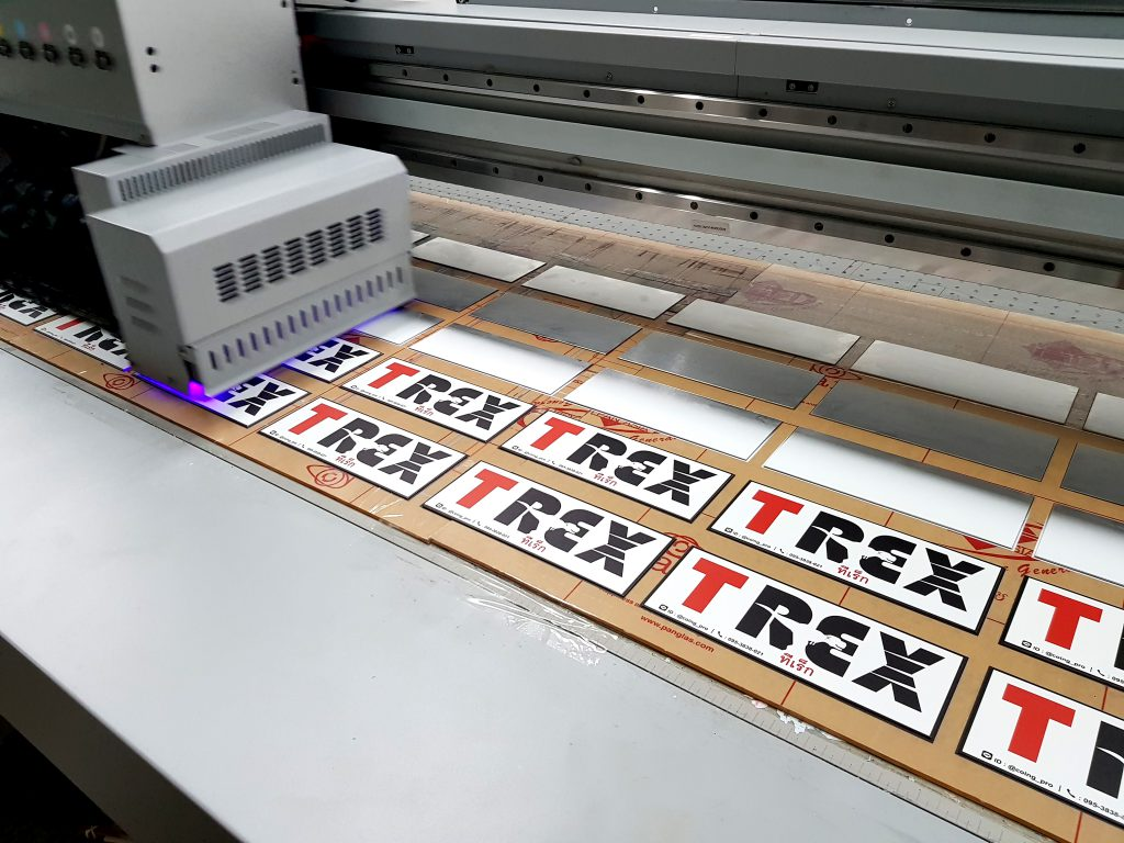 รับพิมพ์ Name plate รับทำป้ายชื่อ สกรีนเนมเพลท สำหรับติดเครื่องจักร อุปกรณ์ ชิ้นส่วน