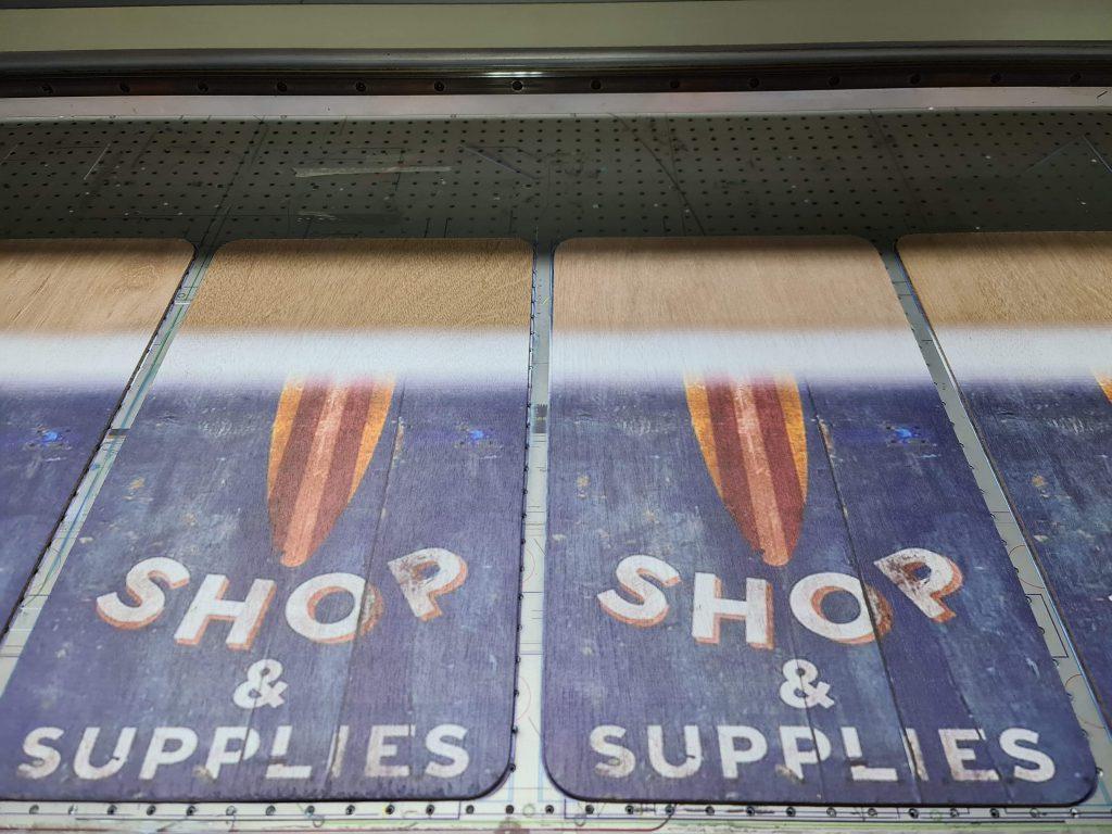 ป้ายไม้ Surf Shop and Supplies