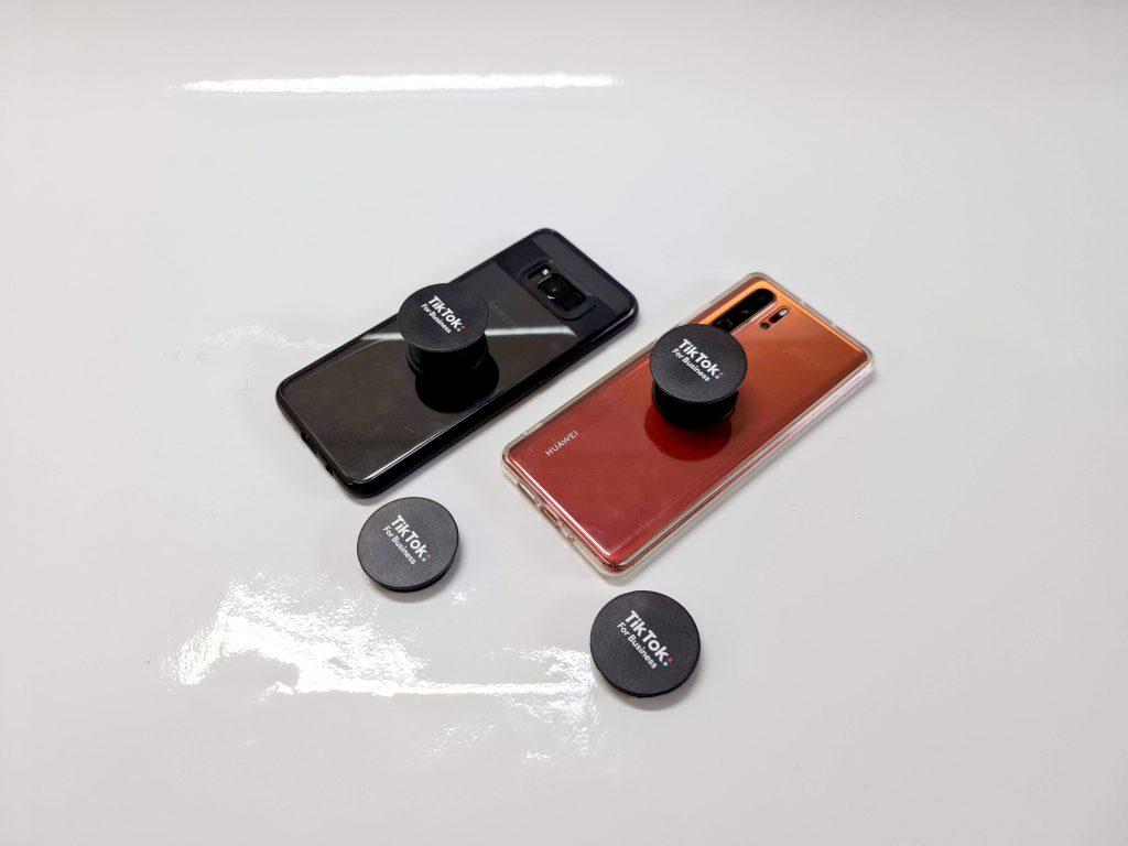 Pop Socket หรือ GripTok ที่ติดหลังโทรศัพท์แบรนด์ Tiktok